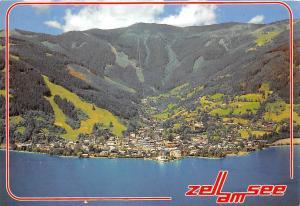 Bergstadt Zell am See gegen Schmittenhoehe Salzburger Land Gesamtansicht