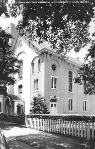 Moorestown New Jersey~First Baptist Church~Picket Fence~1940s B&W Artvue PC