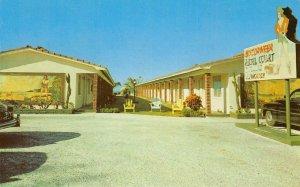 BUCCANEER HOTEL COURT St. Petersburg, Florida Roadside ca 1950s Vintage Postcard