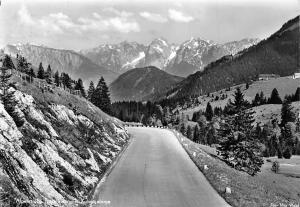 Alpenstrasse Tatzelwurm mit Kaisergebirge Road Mountains Landscape