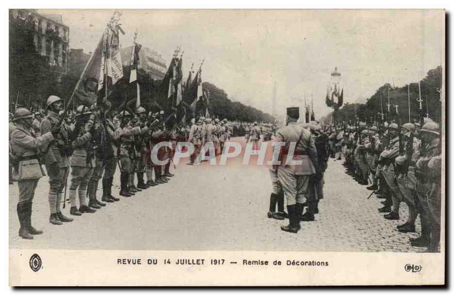 Cpa paris revue du 14 juillet 1917 poilus remise des for Revue decoration