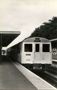 Trains - London Transport #401 at Moor Park Station    *RPPC