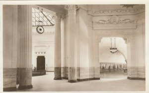 RP: CHICAGO , Illinois, 1910-30s ; John G Shedd Aquarium , Interior