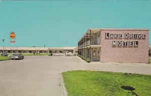 HENDERSON , North Carolina , 50-60s ; Lake Drive Motel