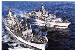 Postcard Royal Navy Ship Type 23 Frigate HMS Richmond F239 & RFA Black Rover 16D