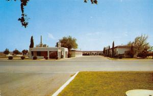 Ft Stockton Texas~Deluxe Court~Motor Motel~MO Swafford Owner~1950s Postcard