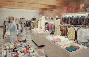 LA CROSSE, Wisconsin, 1950-60s; Erickson Merrill Woolen Mill Store
