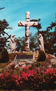 Brooklyn, MI, St. Joseph Shrine, Crucifixion, Irish Hills, 1955 Postcard g8922