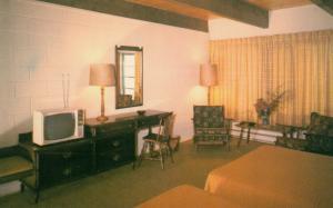 CALLANDER , Ontario , Canada , 50-60s ; Lookout Terrace Motel , interior