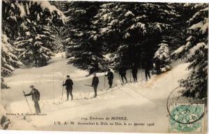 CPA Env. de MOREZ - Descendant la DOLE en Skis (211470)