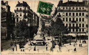 CPA LYON Place de la Republique et Monument Carnot (442236)