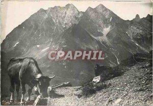 Postcard Modern Rock the Etsale (2080m) seen Aravis Cow
