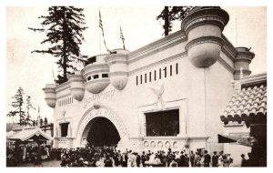 The Alaska-Yukon-Pacific-Exposition 1909 Monitor and Merrimac