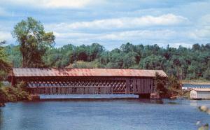 VT - Ompompanoosic River. Covered Bridge