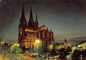 Koeln am Rhein Dom Cathedral Night view Street Auto Cars