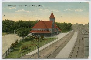 Michigan Central Railroad Depot Niles Michigan 1915 postcard