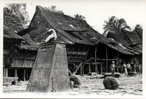 indonesia, NIAS, Real Photo Native Ceremonial Stone Jump (1930s) RP (03)
