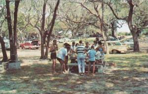 Georgia Jekyll Island Family Picnic Areas Equipped With Grills