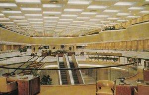DALLAS , Texas , 50-60s ; Banking Floor, Republic National Bank