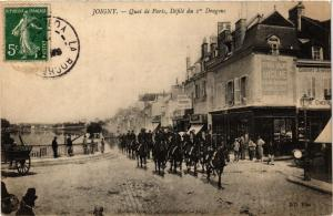 CPA JOIGNY - Quai de Paris Defile du 1er Dragons (358474)