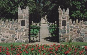 McCRAE Memorial , GUELPH , Ontario , Canada , 50-60s