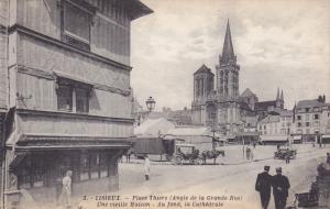 LISIEUX, Calvados, France; Place Thiers (angle de la Grande Rue), Une vieille...