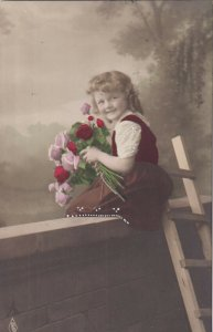 RP: Happy little girl holding bouquet of roses, PU-1919