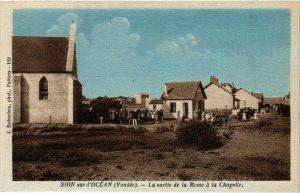 CPA SION-sur-l'OCÉAN - La sortie de la Messe a la Chapelle (167415)
