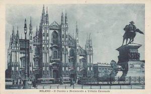 Italy Milano Il Duomo e Monumento a Vittorio Emanuelle II