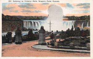 Gateway to Victoria Park, Niagara Falls, Canada Early Postcard, Unused