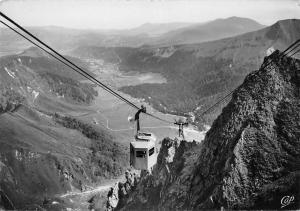 France L'Auvergne Le Sancy Vue vers le Mont Dore Cable Car Lift