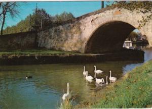 France Castelnaudary Aspect du canal du midi le pont Vieux