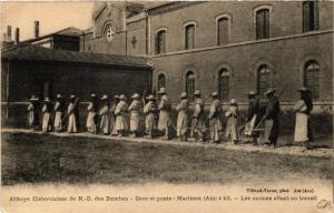 CPA Abbaye Cistercienne de N D. des Dombes MARLIEUX 4 kil. (486425)