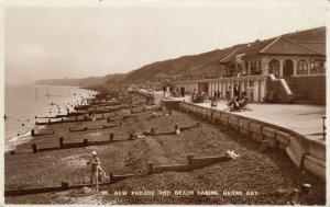 RP: HEARNE BAY , Kent , England , 1945 ; New Parade & Beach Cabins