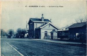CPA AK Garches La Gare et la Place (413829)