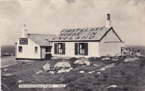 RP; First and Last House in England, LAND'S END, Cornwall, United Kingdom, PU...