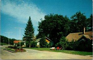 Vtg Dolhun's Resort Summer Homes Cottages Lake Tomahawk Wisconsin WI Postcard