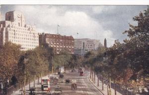 The Embankment , London , 30-50s