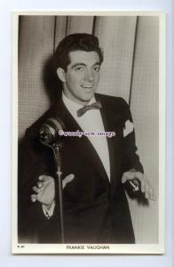 b6013 - Film Actor & Singer - Frankie Vaughan, Picturegoer No.D.651 - postcard