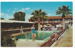 GLENDALE , Arizona, 1950-60s ; El Rancho Inn , Swimming Pool