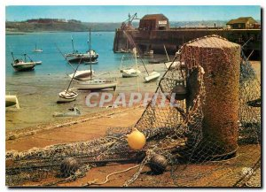 Modern Postcard Granville Manche Harbor and has low water Jetee