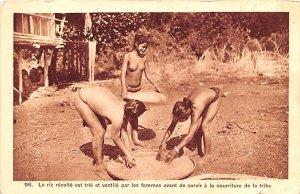 femmes avant de servir a la nourriture de la tribu Vietnam, Viet Nam Unused