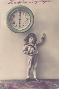 RP: Child points to clock , 00-10s