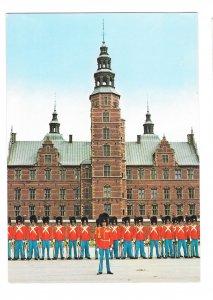 Denmark Copenhagen Royal Guard front of Rosenborg Palace Vntg 4X6 Postcard 1984