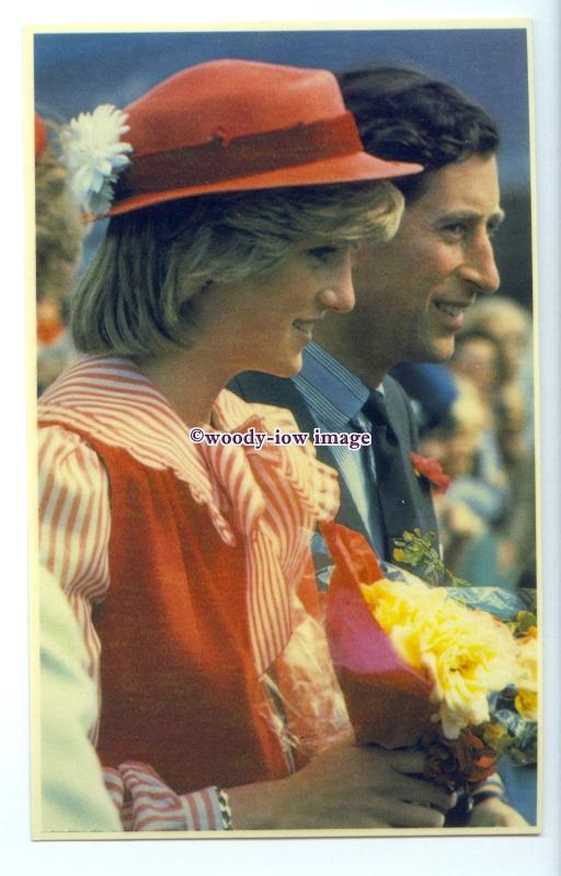 r2570 - Diana & Charles's Walkabout in Holbart Centre, Tasmania 1983 - postcard