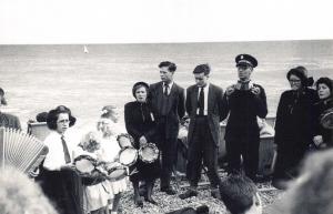 Nostalgia Postcard Salvation Army on Brighton Beach 1954, Repro Card #N461