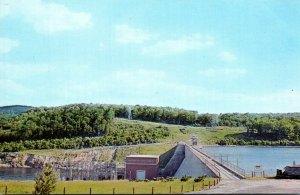 Connecticut Newtown Sandy Hook The Dam At Lake Lillinonah
