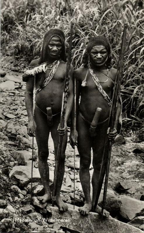 dutch new guinea, Armed Kapauku Papuas, Bow, Koteka, Paniai Lakes (1950s) RPPC