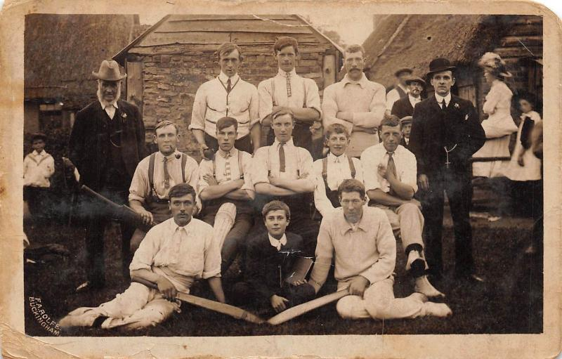C98/ Sports Postcard c1910 CRICKET TEAM Club Winslow Great Britain RPPC