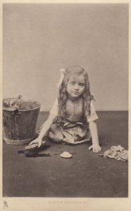 A little Housemaid , 00-10s ; TUCK